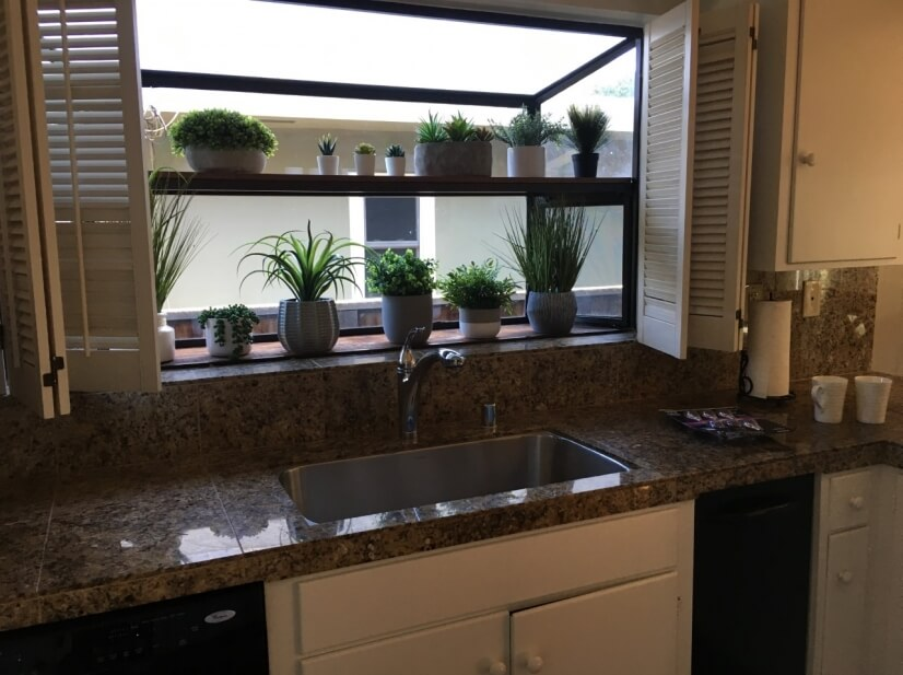 image 8 furnished 2 bedroom Townhouse for rent in Burlingame, San Mateo (Peninsula)