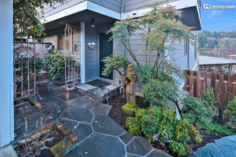 image 3 furnished 2 bedroom Townhouse for rent in Portland Southeast, Portland Area