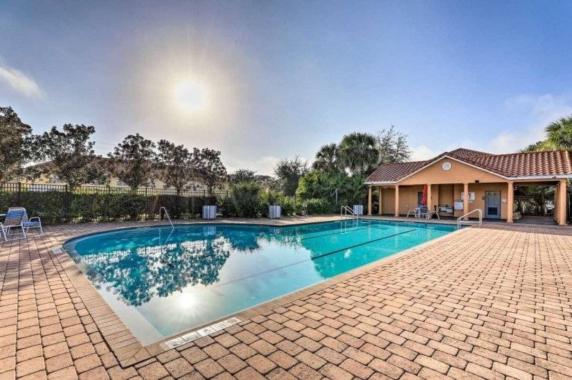 New! Townhome/Pool Access-3 Mi to Disney