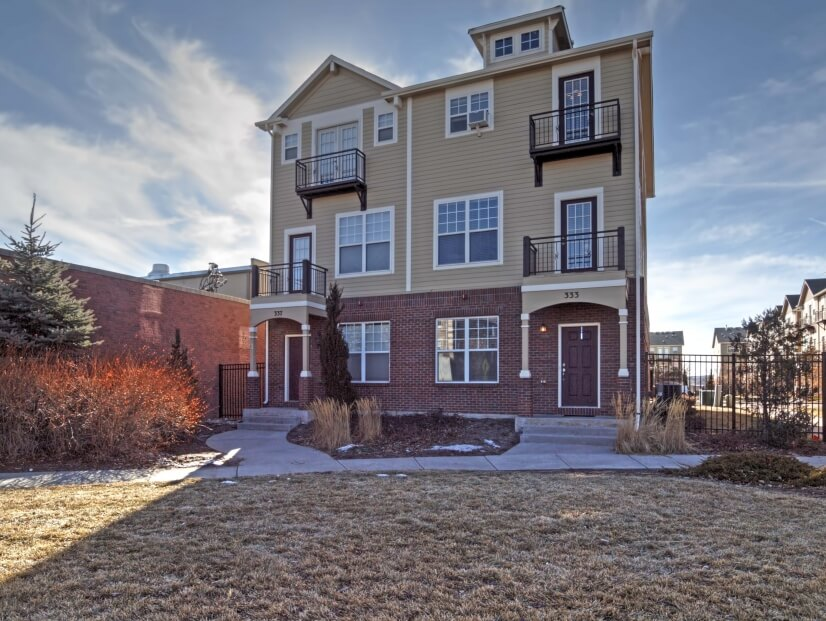 Executive 3 bedroom Downtown Townhome