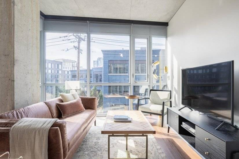 Ideal South Lake Union 2BR w/ Gym, W/D