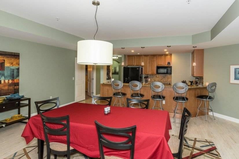 image 4 furnished 3 bedroom Townhouse for rent in Lincoln Park, Denver Central