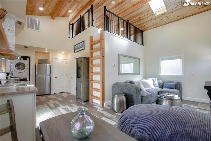 Furnished Carriage House Englewood