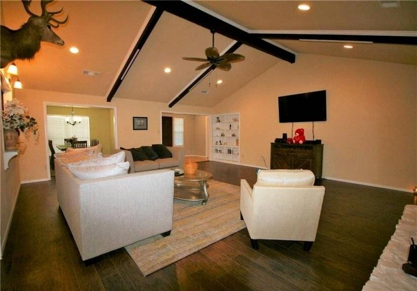 image 3 furnished 4 bedroom House for rent in Meadowbrook, Fort Worth