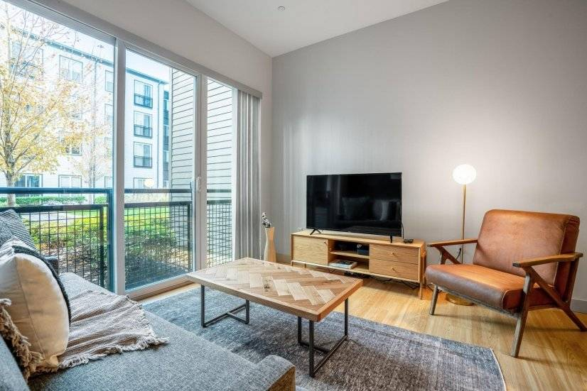 S. Boston 1BR w/ Doorman, W/D,by Seaport
