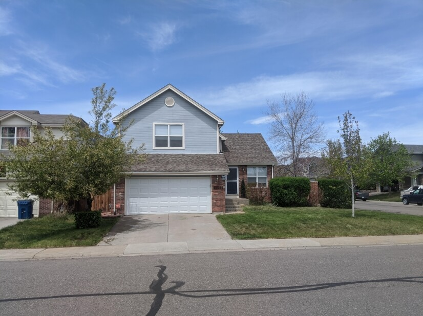 Furnished home in Aurora Neighborhood