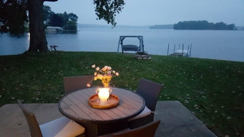 Amazing Lakefront Cottage