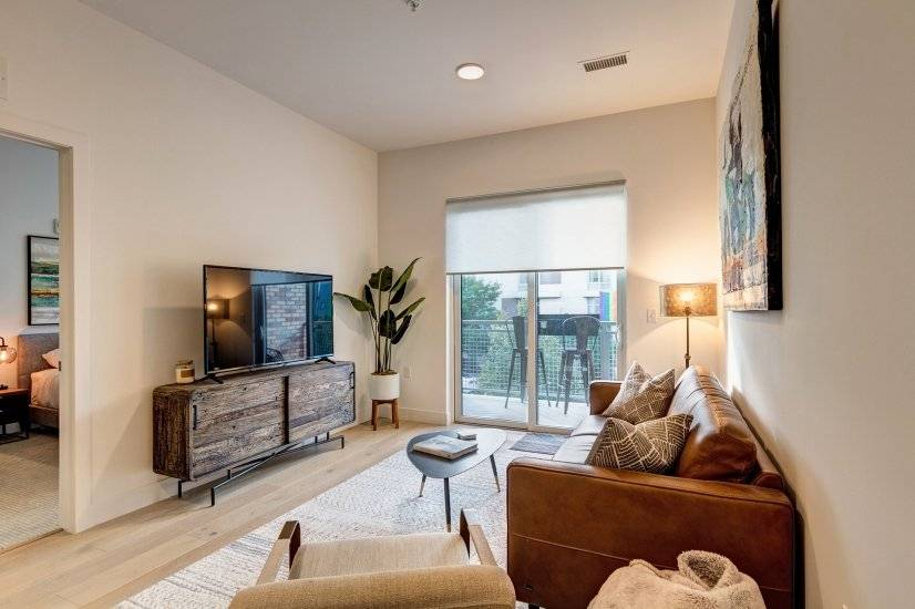 Gorgeous New RiNo Condo, 1 bed plus den