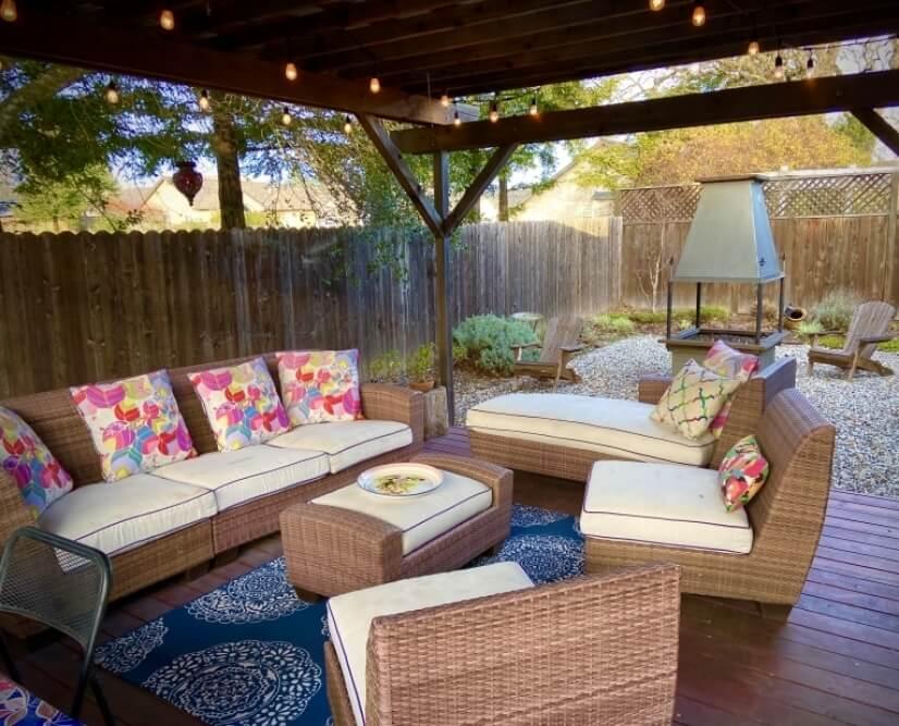 Backyard patio w/ lighting and gas fireplace