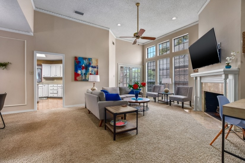 Quiet, Stylish Oasis Near Parks and Golf