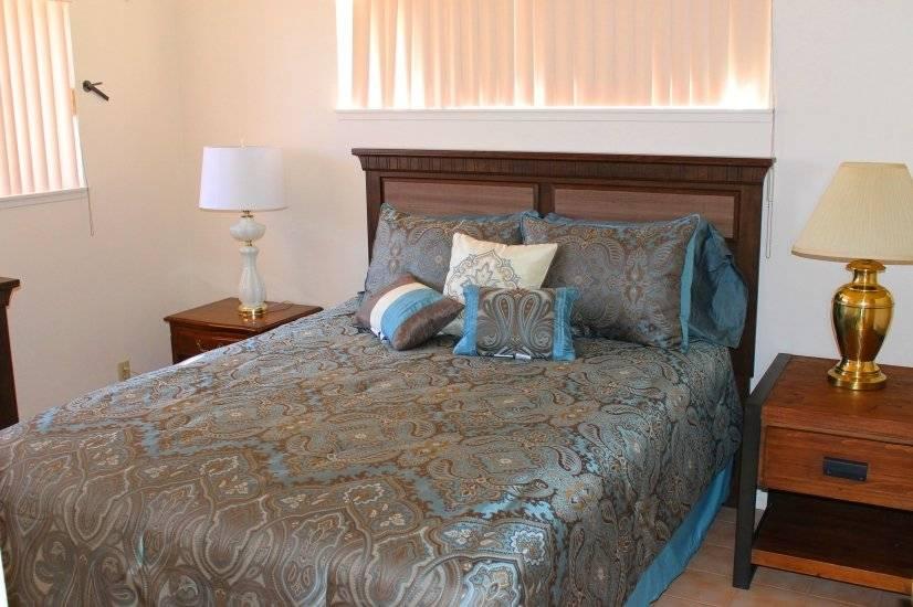 Bedroom 5- Queen