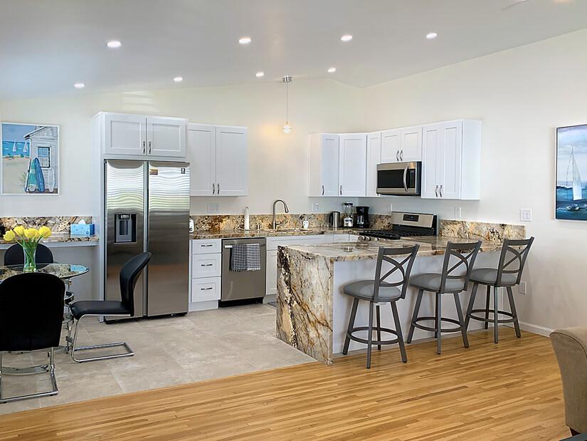 Stunning kitchen, roomy, new appliances