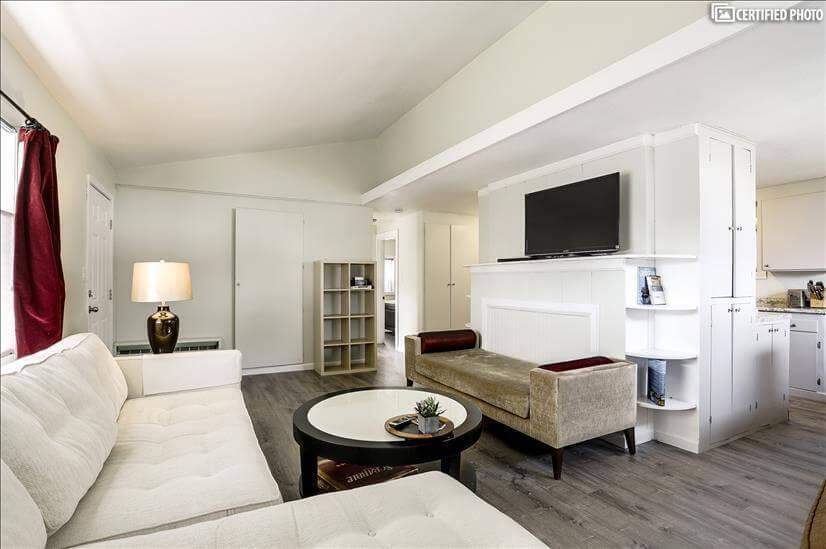 Furnished Urban 2/1  Bonus Rm Home