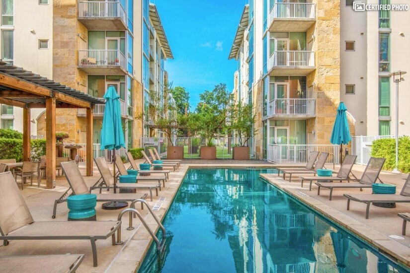 Downtown Austin Furnished 2 bd Condo