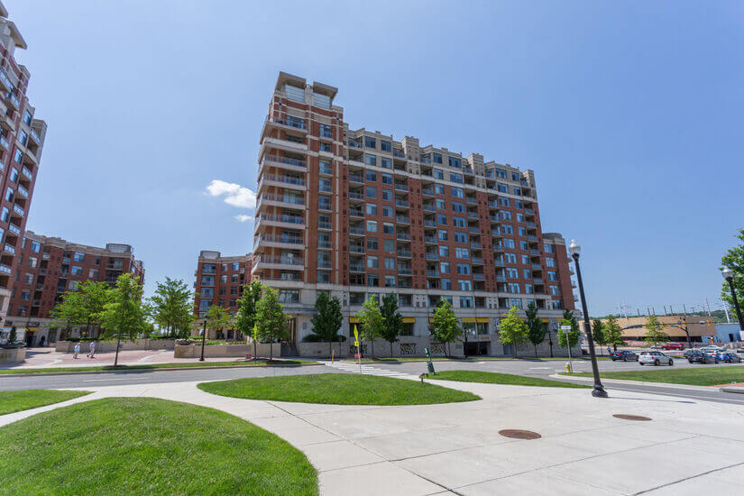 2 BR Furnished Condo in Crystal City