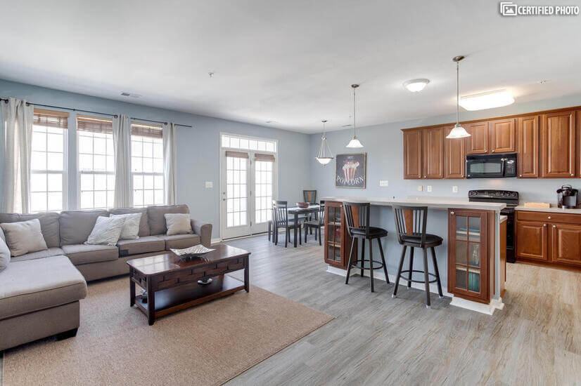 2600 Sq Ft Townhome - minutes from BWI!