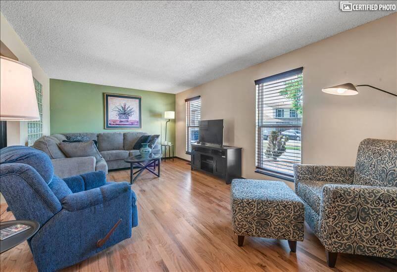 Denver Fully Furnished Home with Garage
