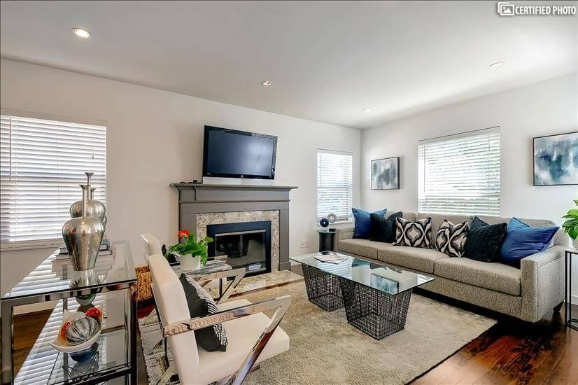 Dallas Furnished Home with Office