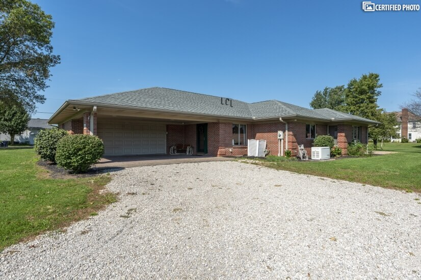 Furnished  Ranch Home near Columbus