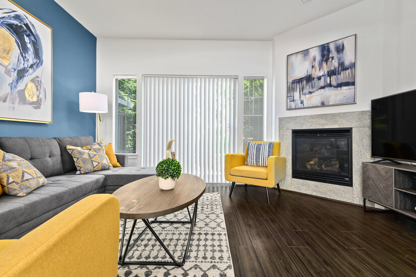 Fantastic Townhome, All New Décor
