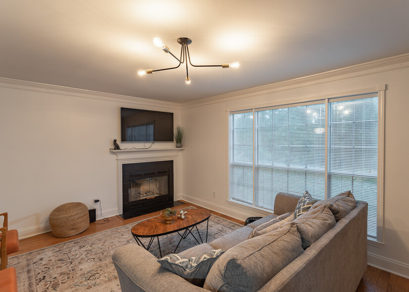 2 Bed/2 Bath Remodeled Condo in Madison