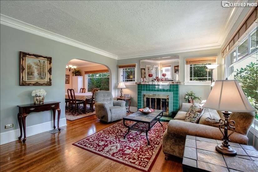 """""""Cove molding, great tile, hardwood, arches a"""