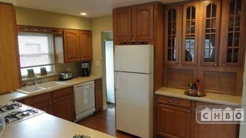 image 6 furnished 4 bedroom House for rent in Munster, Northwest Indiana