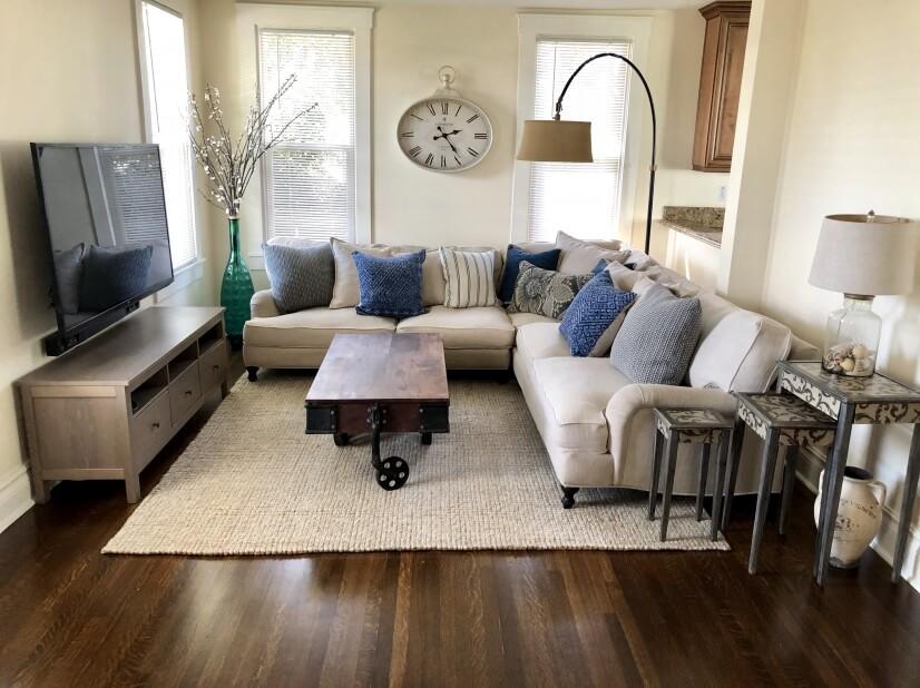 image 2 furnished 4 bedroom House for rent in Glendale, San Fernando Valley