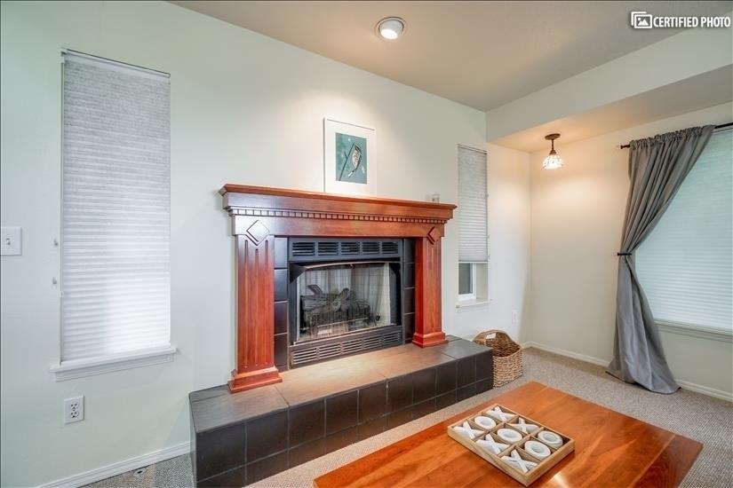 image 10 furnished 5 bedroom House for rent in West Linn, Portland Area