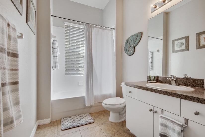 Bathroom 2 - Shower/ Tub
