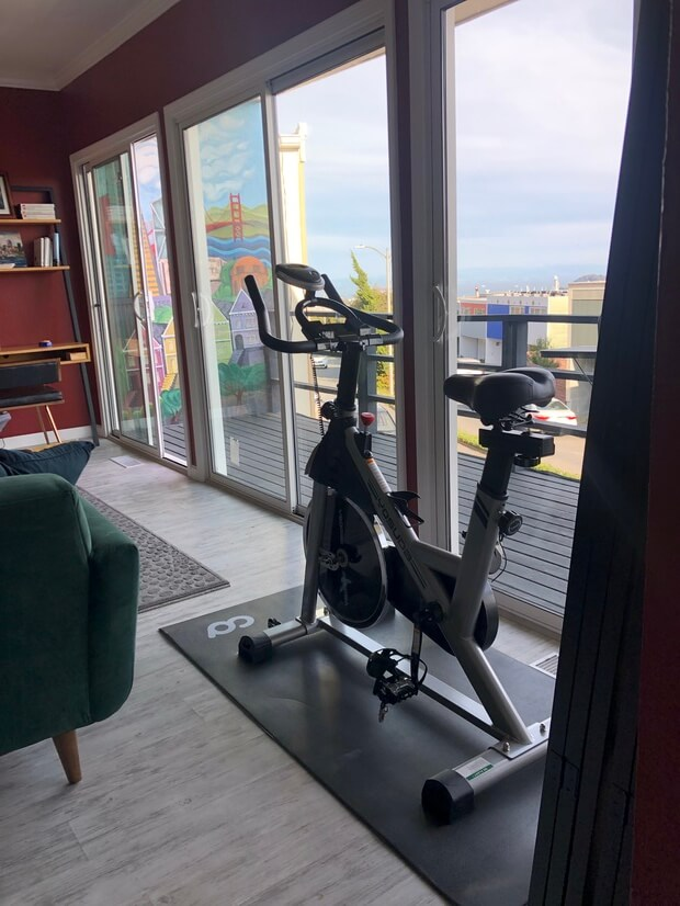 Mini-Gym includes also dumbbells & yoga mats