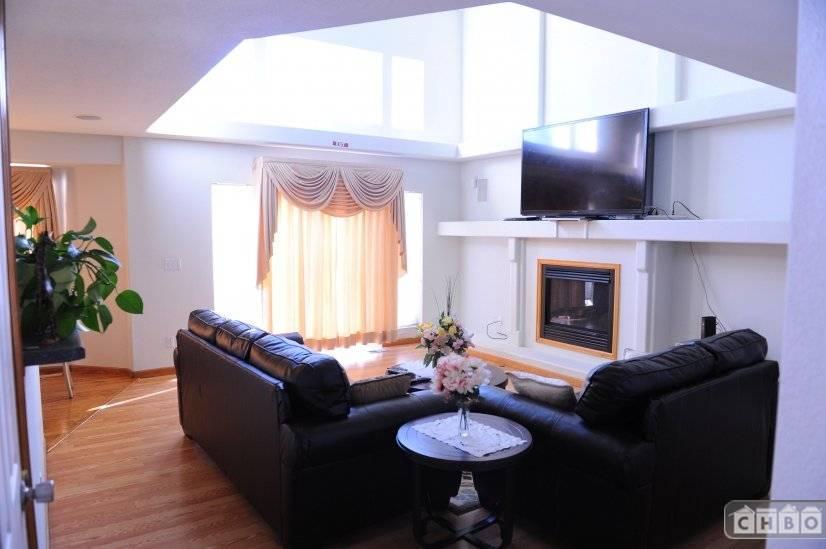 image 3 furnished 4 bedroom House for rent in Sterling Hills, Aurora