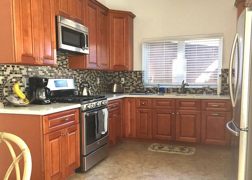 Awesome KITCHEN cabinets, quartz counters , new appliances,