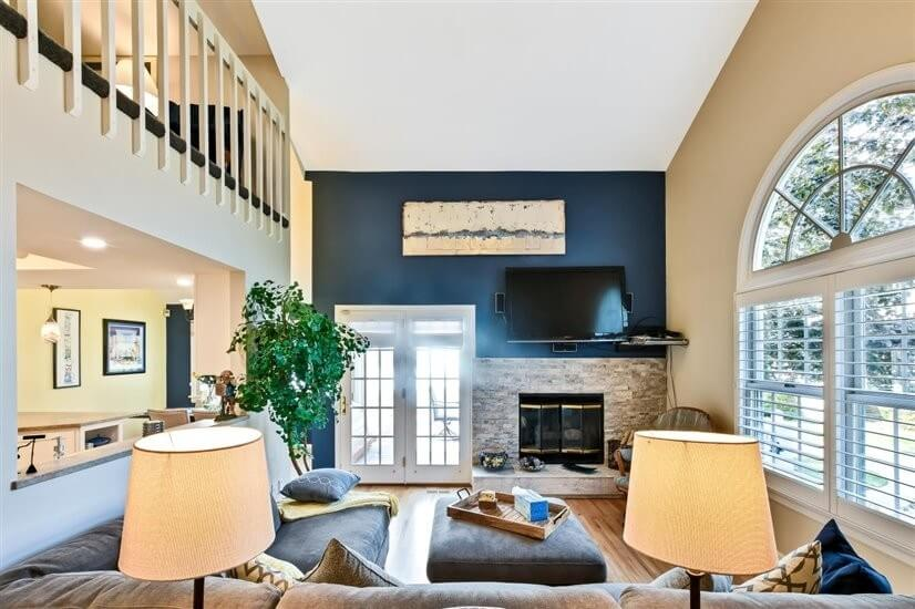 Furnished 4 Bdrm 3 Bath Townhome