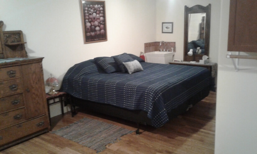 bedroom with pillow top king