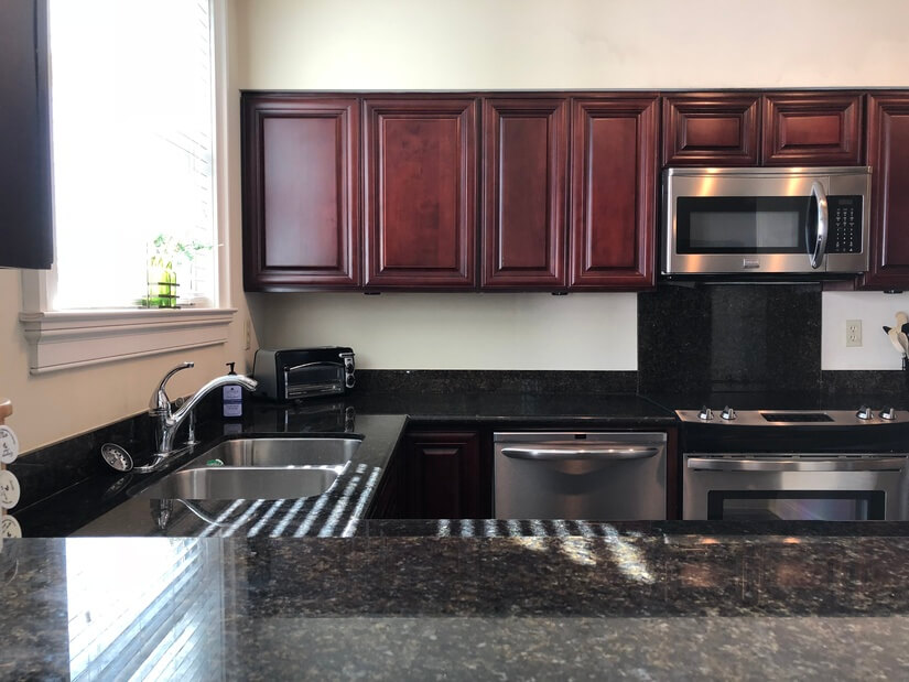 granite counters , stainless steel appliances