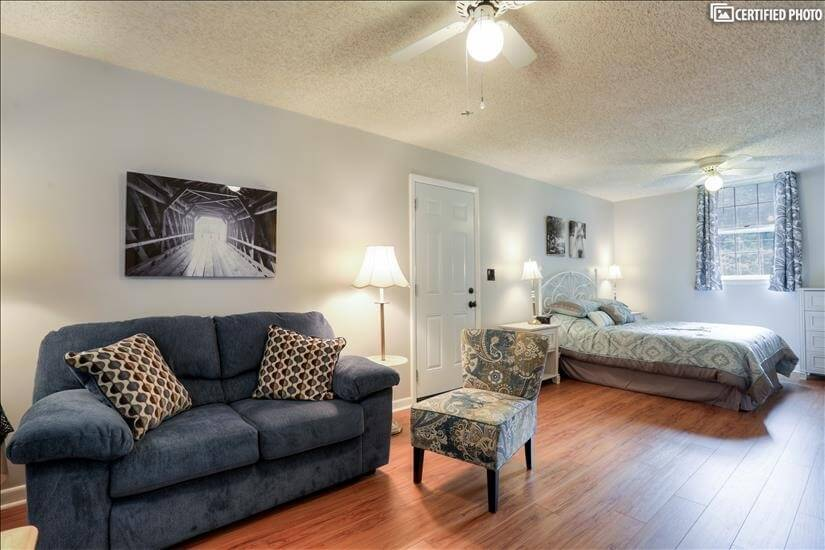 livingroom, bedroom