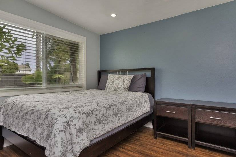 image 10 furnished 3 bedroom House for rent in Huntington Beach, Orange County