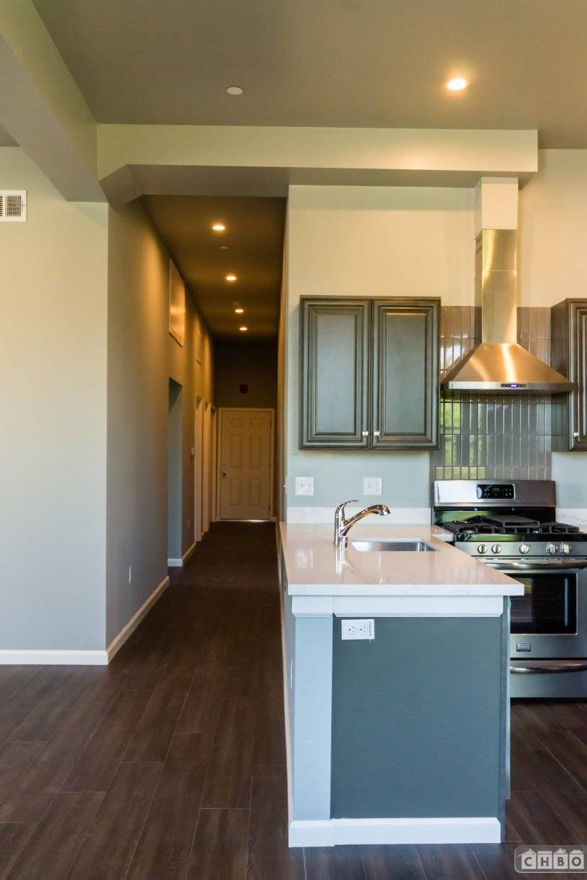 image 4 unfurnished 2 bedroom Apartment for rent in Oakland Downtown, Alameda County