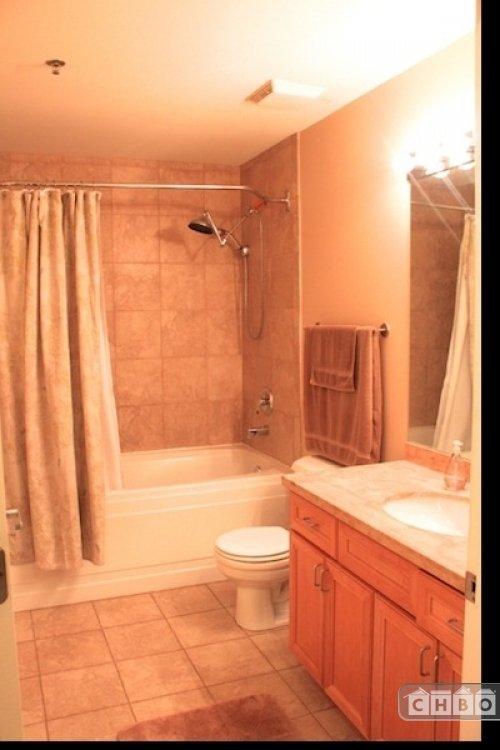 image 4 furnished 1 bedroom Townhouse for rent in Bridgeport, South Side