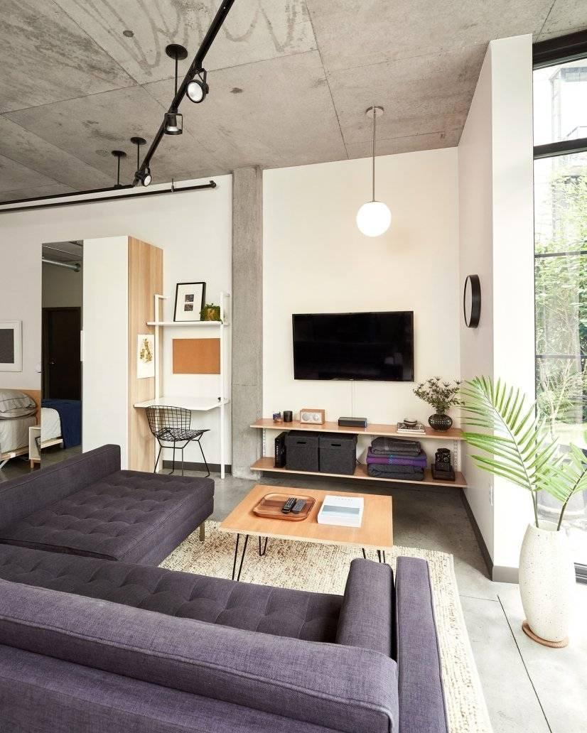 Living Room / Entertainment Center / Desk