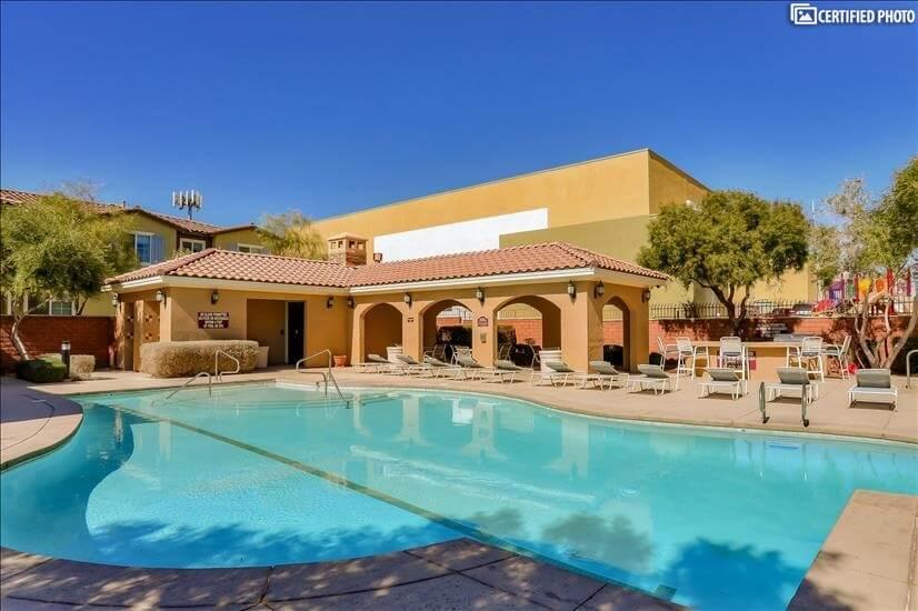 Pool Club House
