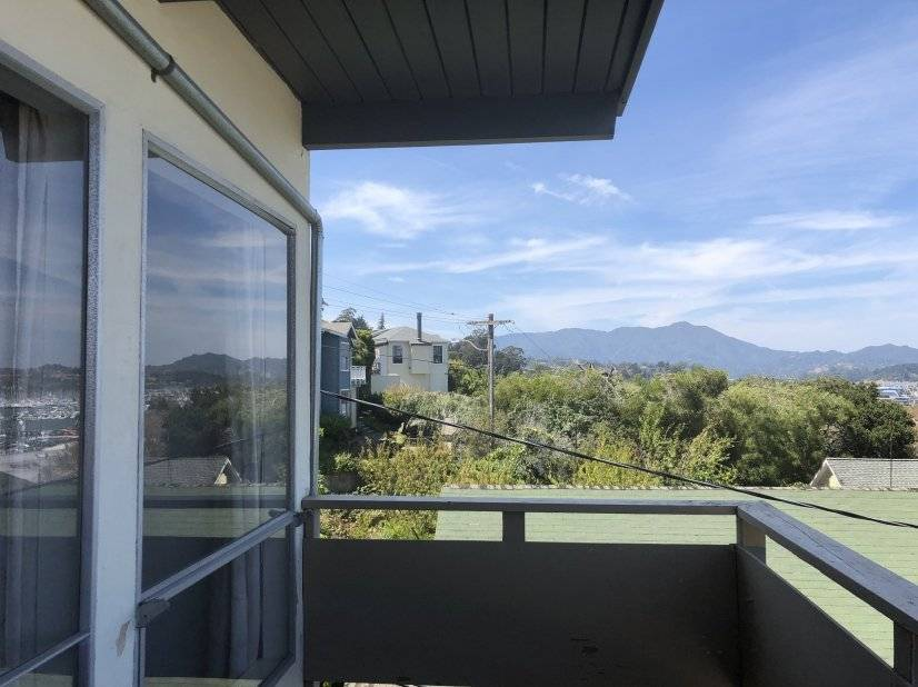 image 2 furnished 1 bedroom Townhouse for rent in Sausalito, Marin County