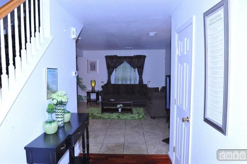 image 3 furnished 3 bedroom House for rent in Gateway, Denver Northeast