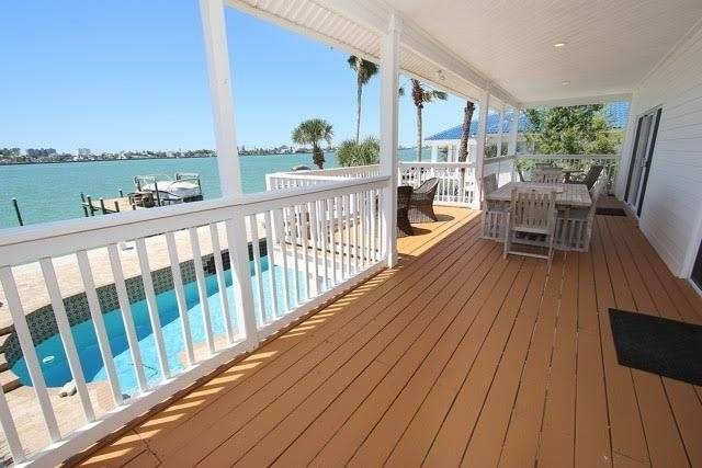 Large second floor main living area deck with sun and shaded
