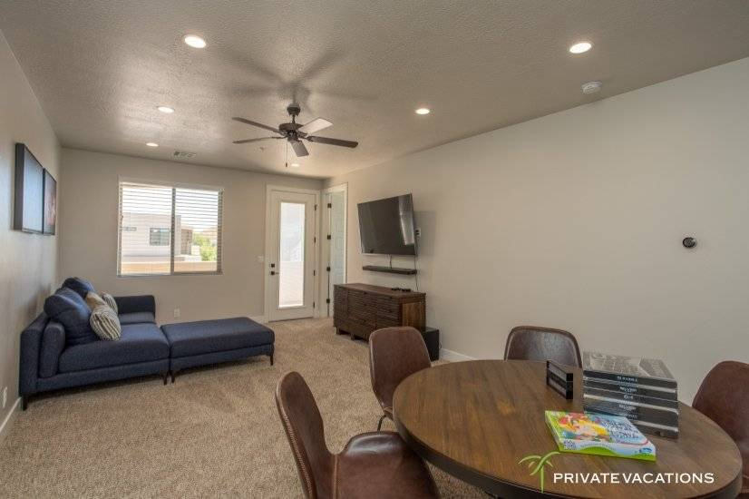 image 10 furnished 5 bedroom Townhouse for rent in Washingston, Washington (St. George)