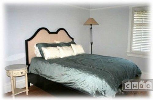 Queen bed on 2nd floor.  One of 3 bedrooms on the 2nd floor.