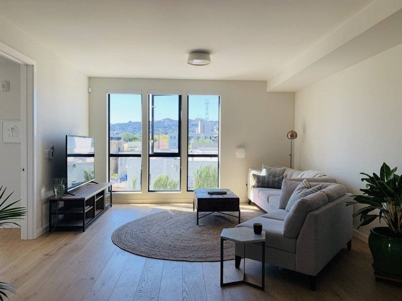 Striking views of Twin Peaks and Mt Sutro from living space