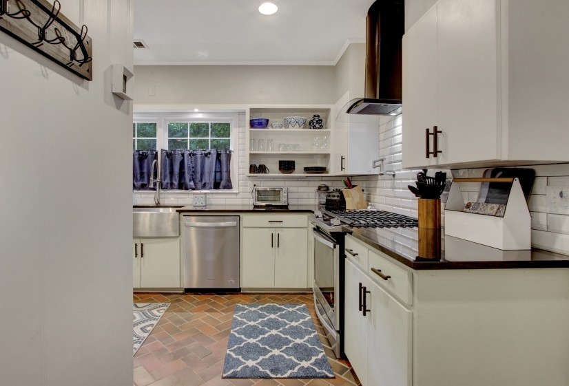 Kitchen from the side entry area