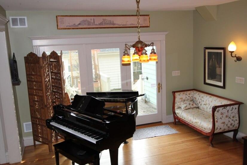 image 13 furnished 3 bedroom House for rent in Glen Ellyn, West Suburbs